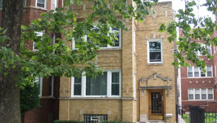 8239 s langley ave, chicago, il 60619