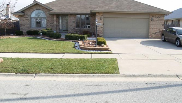 15555 sayre ave, oak forest, il 60452