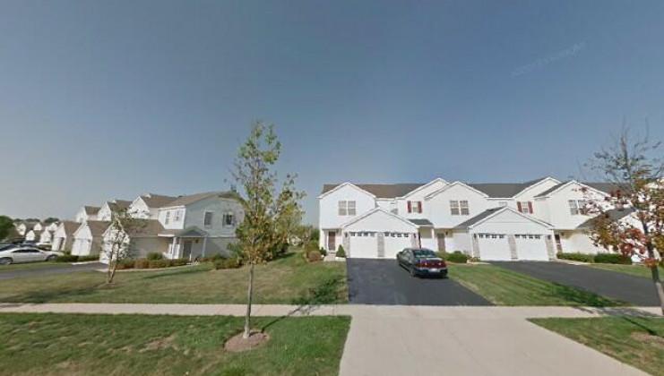 2049 limestone ln, carpentersville, il 60110