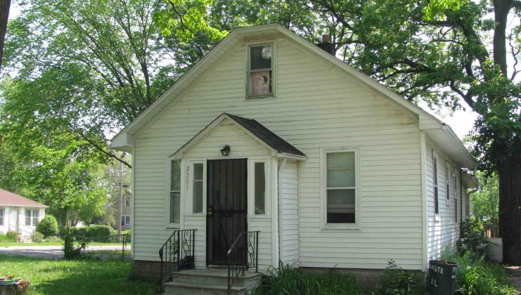 2301 honore avenue, north chicago, il 60064
