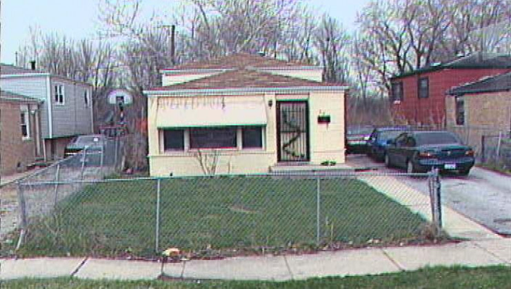 37 wells ave., harvey, il 60426
