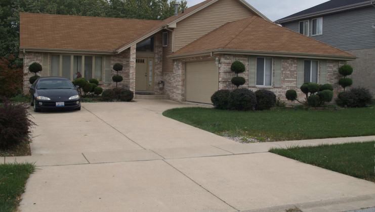 18751 maple ave, country club hills, il 60478