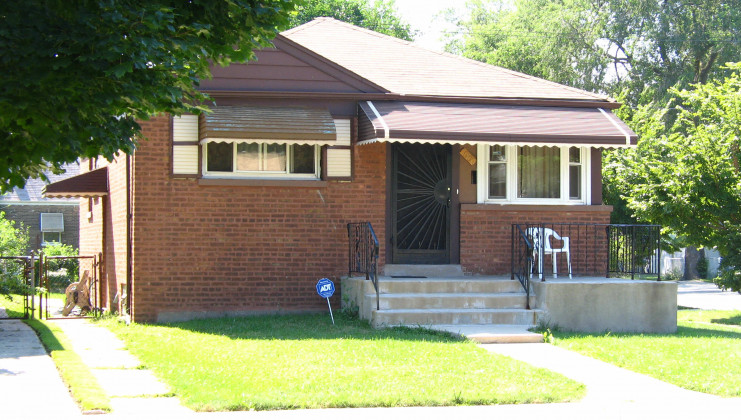 10100 s hoxie ave, chicago, il 60617