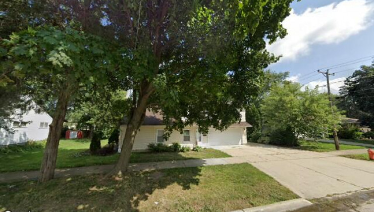 688 ford ave, elgin, il 60120