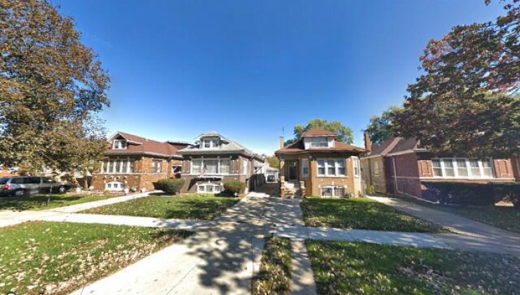 2115 s 10th ave, maywood, il 60153