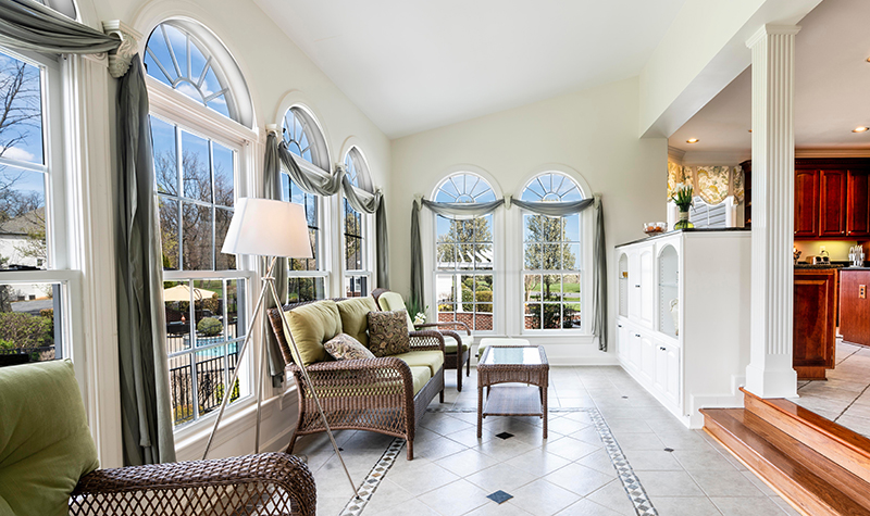 Luxury properties features - large windows